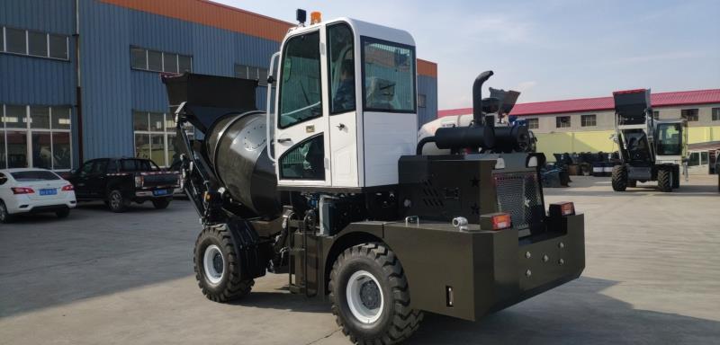 1.5cbm Self Loading Concrete Mixer Truck