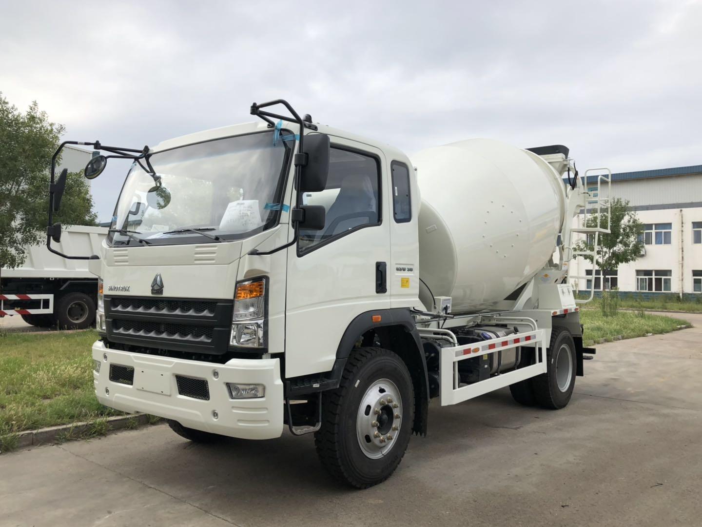 SINOTRUK HOWO 6 Wheelers 4×2  Light Mixer Truck EURO II  180HP